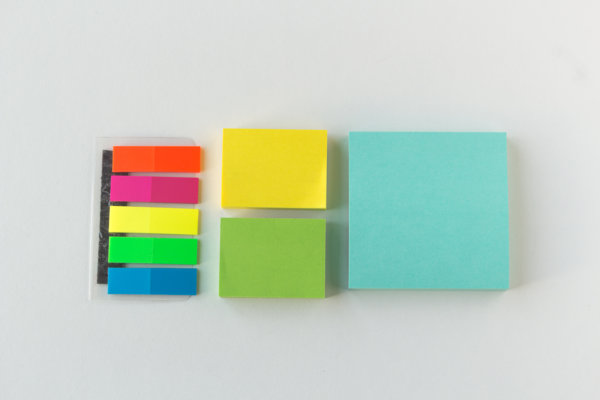 "Plackit - Magnetic Sticky Notes Kit ( 1 large block of 3""x3"", 2 small blocks of 2""X1.5"" and 1 set of sticky flags) for Home or Office"