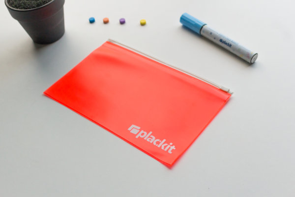 "Plackit - Magnetic Hard Plastic Zipper Bag ( 8.66"" x 5.5"" ) for Home or Office"