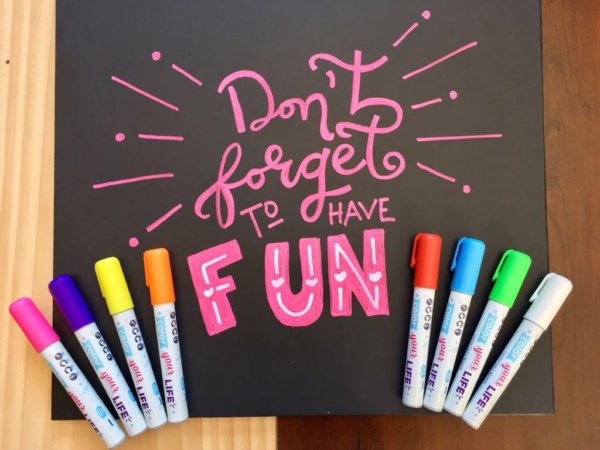 Liquid Chalkboard Markers (8 colors and 40 labels)