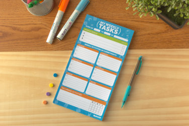 "Plackit - Weekly Tasks Magnetic Notepad (5.5"" x 10.4"") - 50 sheets per pad"