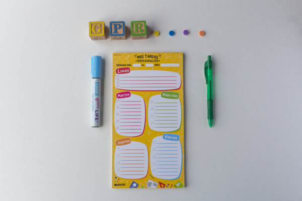 "Plackit - Weekly Homework Magnetic Notepad (5.5"" x 10.4"") - 50 sheets per pad"